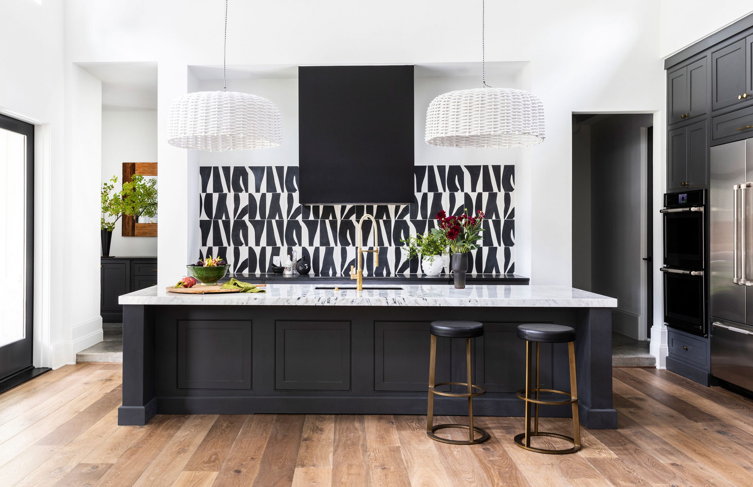 Kitchen black and white Interiors Photography - Julie Soefer Photography